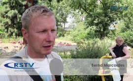 Rosarote Sommerzeit: Acht kleine Kubaflamingos im Kölner Zoo geschlüpft
