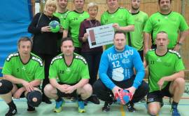 PM_20190208_Spende-Handballverein