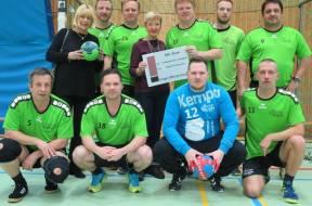 PM_20190208_Spende-Handballverein