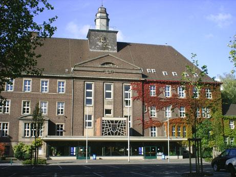 Das Rathaus  Rheinhausen am Niederrhein