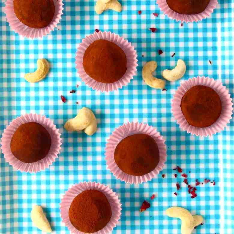 Vegan Cashew Chocolate Truffles