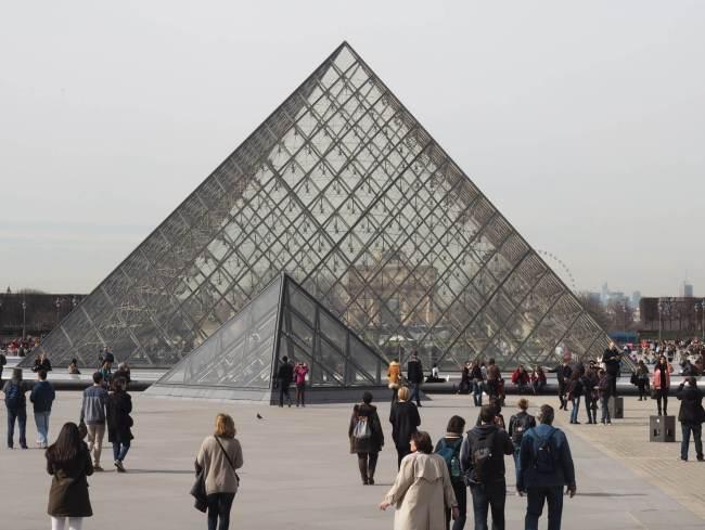 Paris Louvre Outside