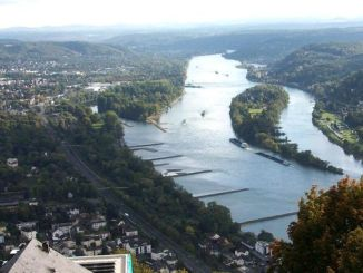 View from Drachenfels over the Rhine and Nonnenwerth island, Siebengebirge, Königswinter, Bad Honnef