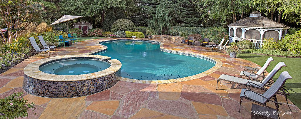 including spa in pool design