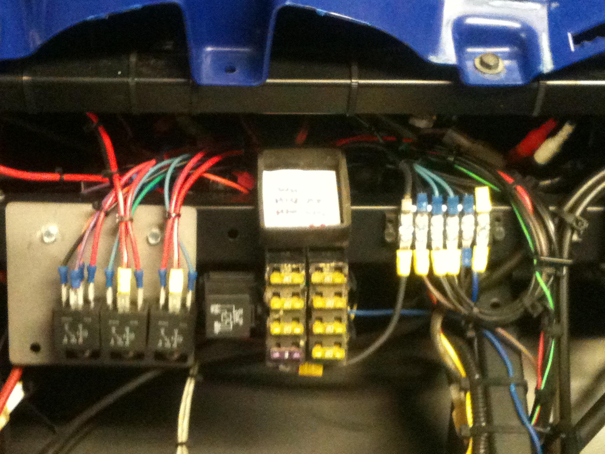 Painless Wiring 70207 Fuse Block