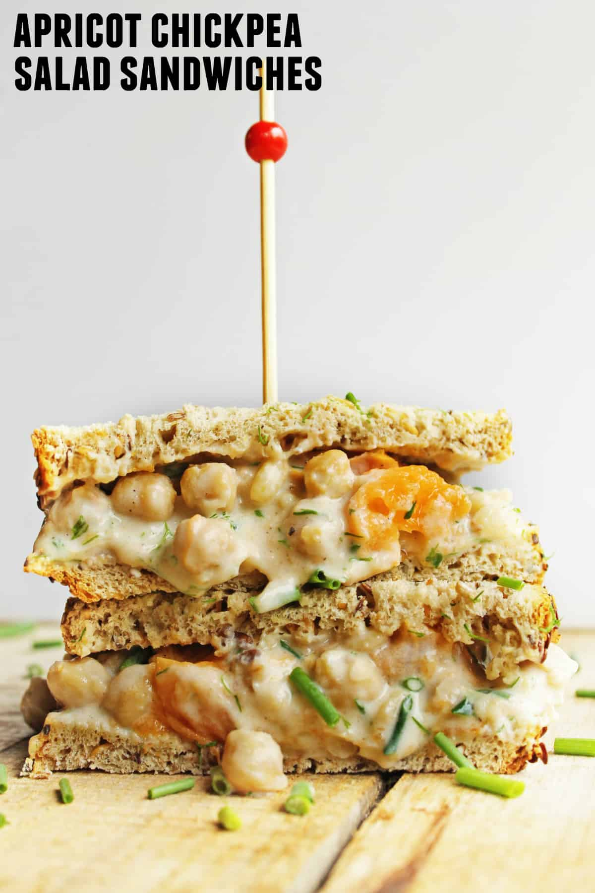Apricot chickpea salad sandwiches! A fruity, vegetarian spin on the classic chicken salad sandwich recipe. DELICIOUS!