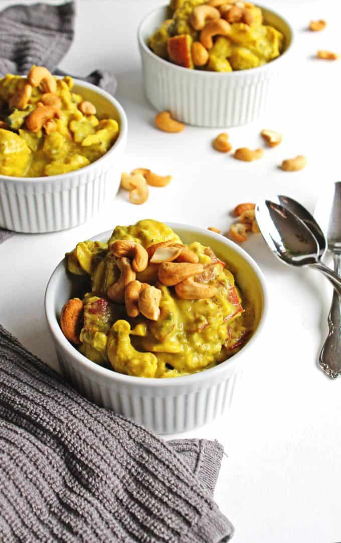 Coconut curry cauliflower stew + 15 Farmers market recipes to make in January! Delicious, winter, (mostly) healthy recipes made with fresh, seasonal produce from your local farmers market or CSA bin. Eat local!