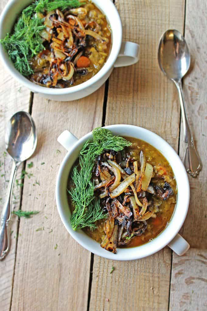 Danish split pea soup + 15 Farmers market recipes to make in February! Delicious, winter, (mostly) healthy recipes made with fresh, seasonal produce from your local farmers market or CSA bin. Eat local!