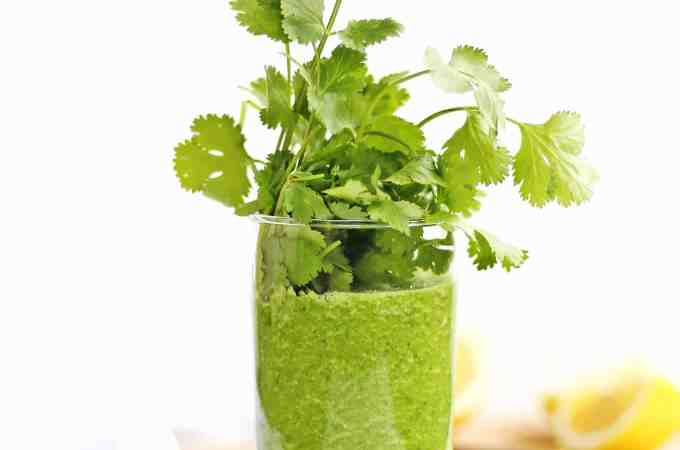 Glowing green detox smoothie