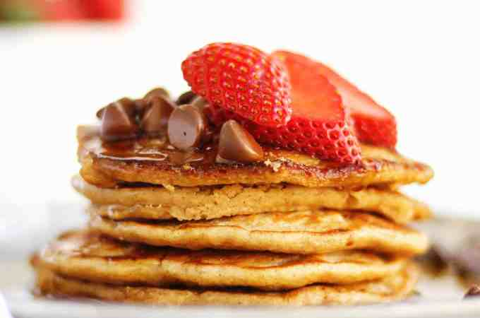 Healthy yogurt oat flour pancakes