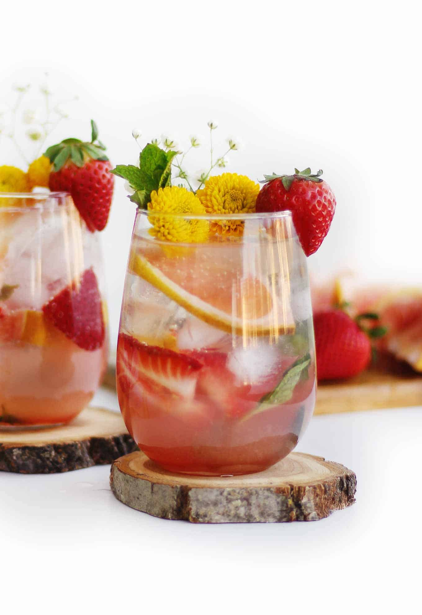 grapefruit strawberry mojito