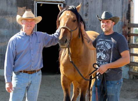 Author Larry Shook, Ah Kah Tah, and trainer Nate Ostrander in late September.