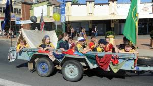 Junee 1st Scout Group Cubs in 2017 Junee Street Parade
