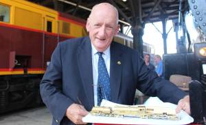 Former deputy PM and avid train enthusiast Tim Fischer visited Junee on Friday to officially open the Rhythm n Rail festival on Friday afternoon.