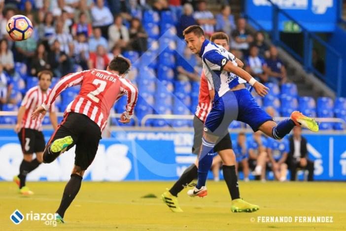Florin Andone, con un buen remate de cabeza, tuvo una de las mejores oportunidades del partido.