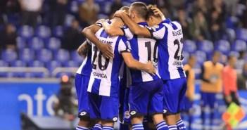 Los jugadores del Deportivo celebran un gol en Riazor