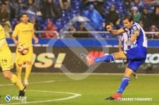 Celso Borges también lo intentó y estuvo cerca de marcar.
