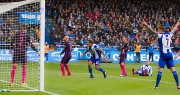 Gol de Álex Bergantiños en el Deportivo vs Barcelona