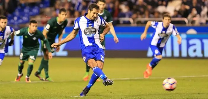Celso Borges - penalti - Deportivo vs Betis