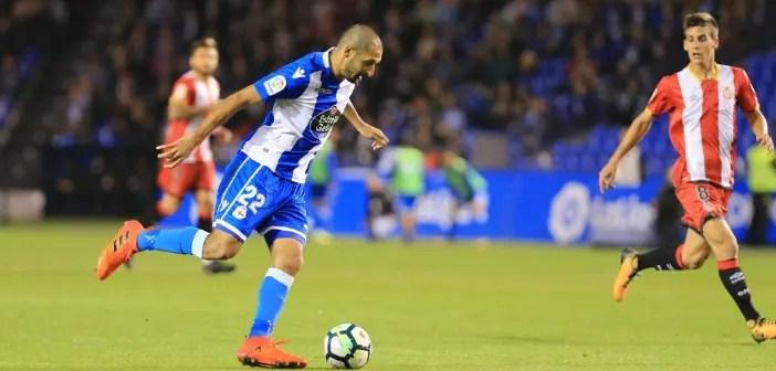 Borges golpea el balón en el partido entre Deportivo y Girona