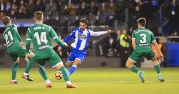 Adrián dispara a puerta en el Deportivo - Leganés