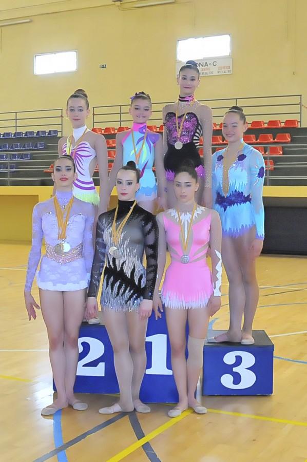 El club de gimnasia rítmica Roquette Benifaió logra diez medallas en el provincial absoluto