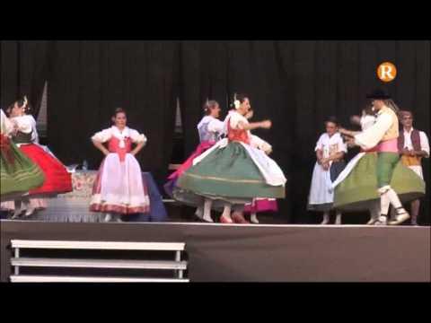 """Actuació del grup de ball popular """" Dansaires del Tramusser"""" amb motiu de les festes patronals"""