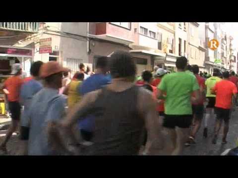 Els carrers de Cullera acullen una volta a peu multitudinària