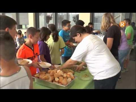 El col•legi Federico Garcia Sanchiz ha celebrat el tradicional esmorzar saludable amb productes de l'hort escolar