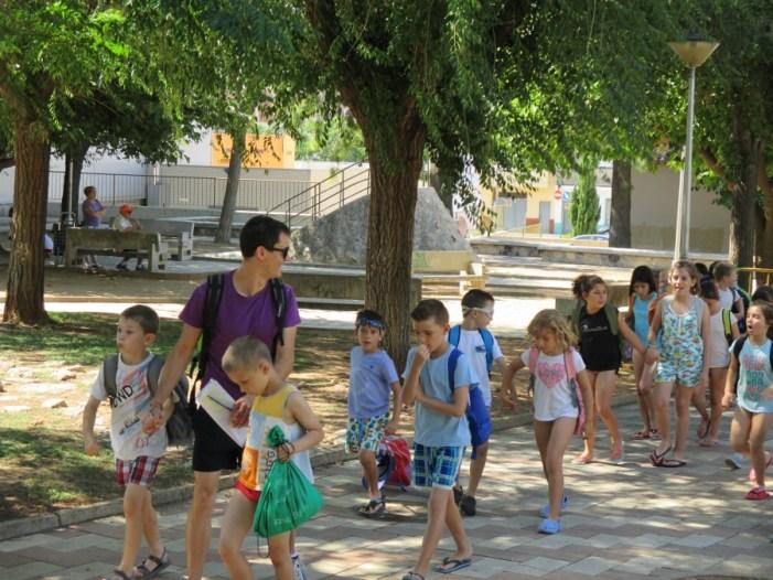 Seixanta-nou xiquets d'Almussafes disfruten ja de les activitats de l'Escola d'Estiu Municipal