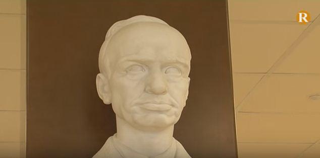 Sollana rep homenatge al mestre Miguel López Marco