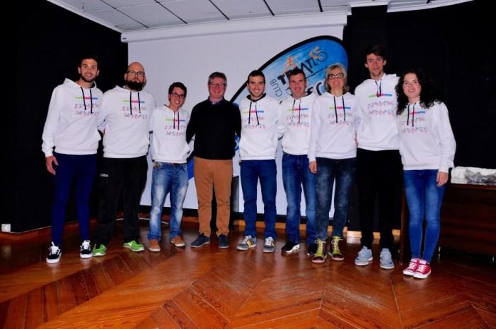 El Club de Triatló de Sueca presenta els membres de la seua escola