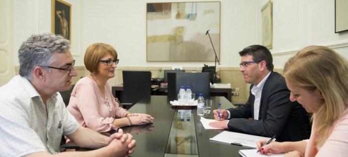 La Diputación propone a Rafelguaraf redireccionar el tráfico para evitar la congestión en el municipio