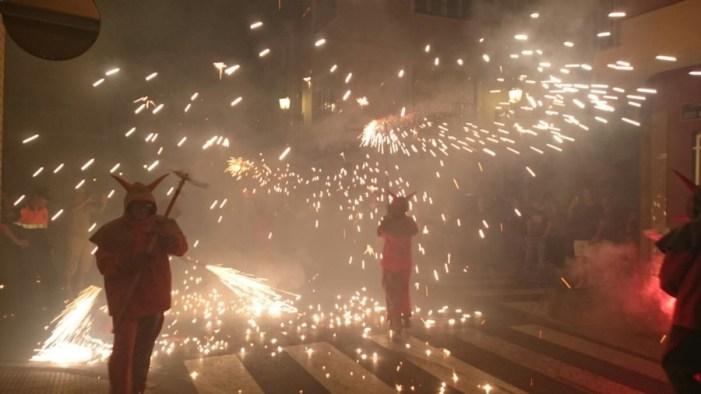 """Nit de Correfocs"" en Fiestas de Benifaió"