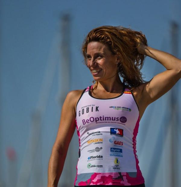 La Diputació i la triatleta Mª José Martínez participen en l'Ironman d'Austràlia pel càncer infantil