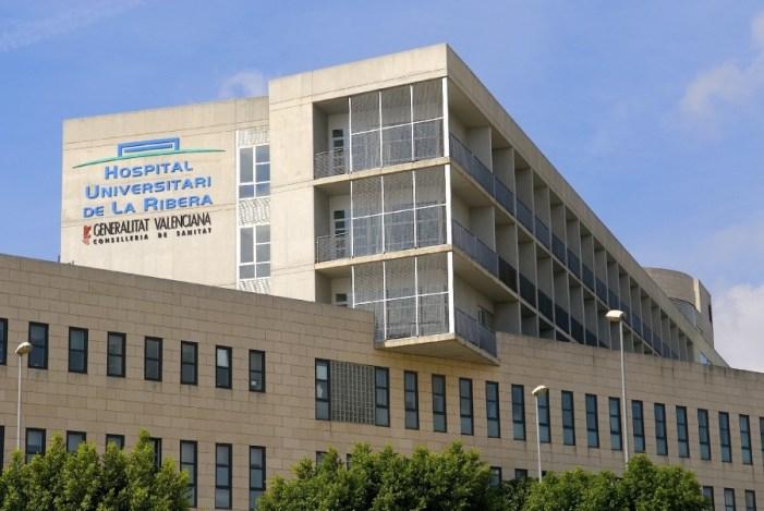 El Hospital de La Ribera niega colapso en Urgencias y lamenta la alarma injustificada generada por SIMAP