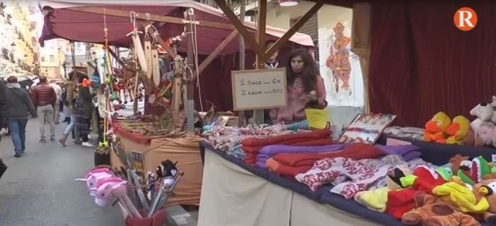 Els carrers de Russafa es van omplir de productes típics i artesans aquest passat cap de setmana
