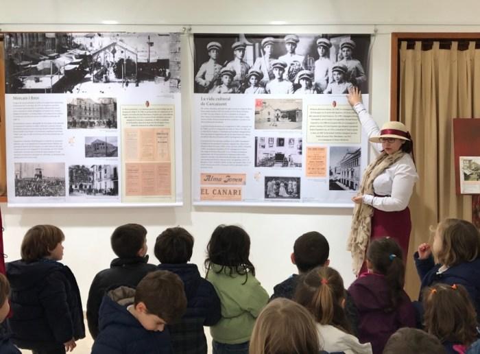 500 escolars de Carcaixent visitaran l'exposició sobre el centenari de ciutat