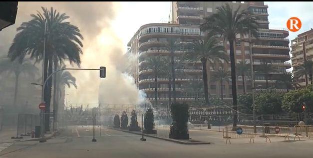 La ciutat d'Alzira ha gaudit de la primera mascletà disparada per pirotècnia Martí