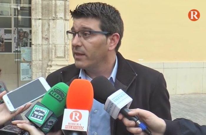 Rodríguez visita les inversions realitzades a Carlet a través dels plans provincials