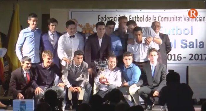 """La Federació de Futbol de la CV lliura els """" premis importants"""" i reconeixements de la temporada"""