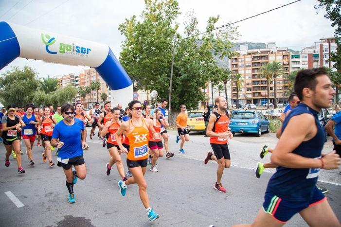 Nou quilòmetres de solidaritat a Cullera