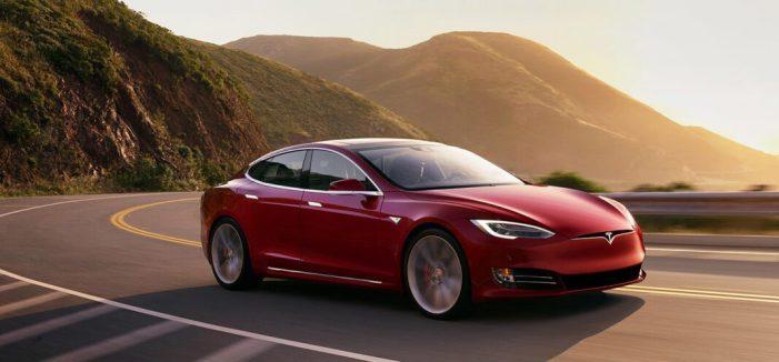 Cullera acull al novembre la trobada nacional de cotxes elèctrics Tesla