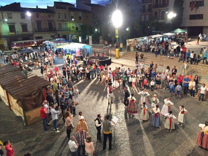 Centenars de persones participen en la II Fira de l'Alliberament Senyorial d'Alberic