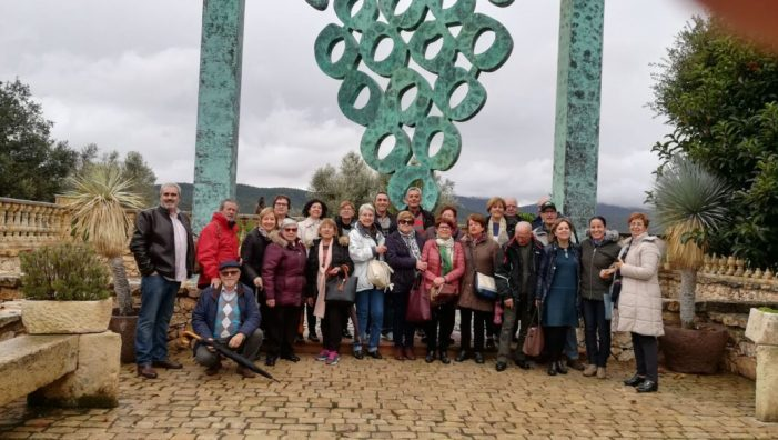 Els Cellers Francisco Gómez de Villena reben la visita dels jubilats d'Almussafes