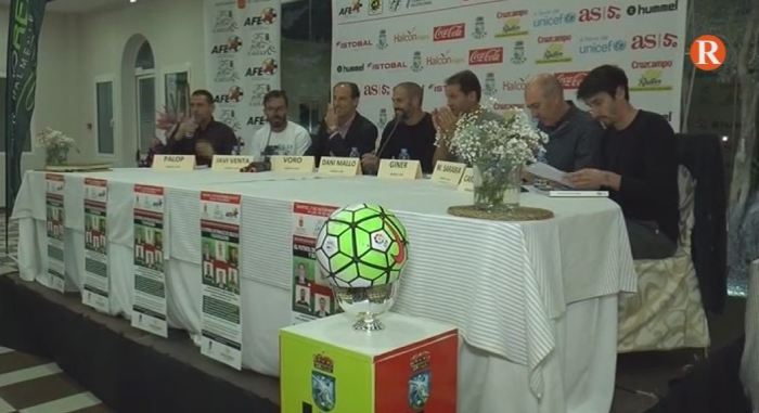 Taula rodona històrica amb sis exjugadors professionals en l'Alcúdia