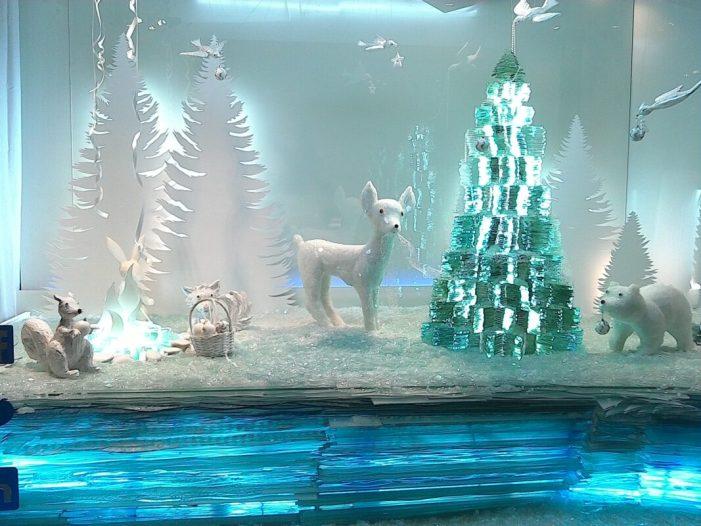 Redondo Vidrieras guanya el Concurs d'Aparadors de Nadal a Sueca amb un muntatge de més de 3.000 kg de vidre