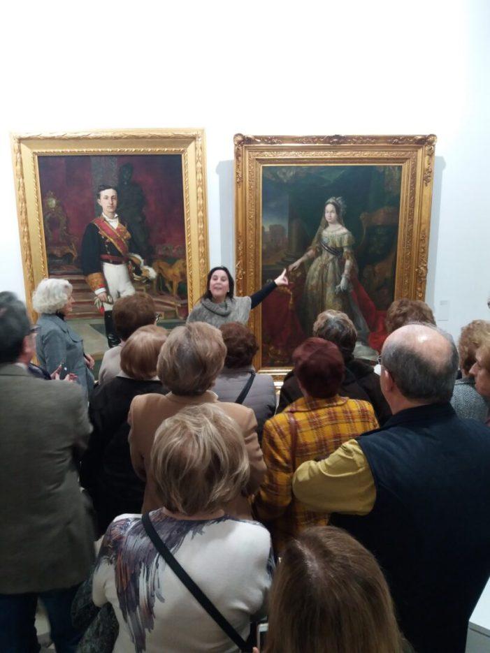 """L'associació de mestresses de casa Tyrius d'Alzira visita l'exposició """"Memòria de la Modernitat"""""""