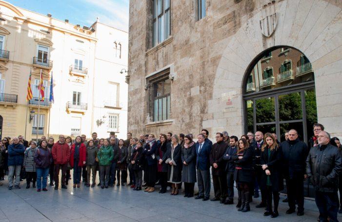 La Diputació se suma als tres minuts de silenci per l'última víctima de violència de gènere