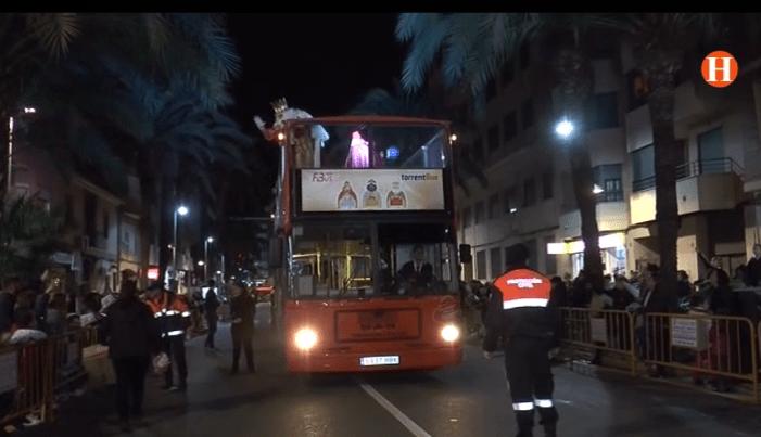Els Reis d'Orient han omplit d'il·lusióels carrers de Torrent
